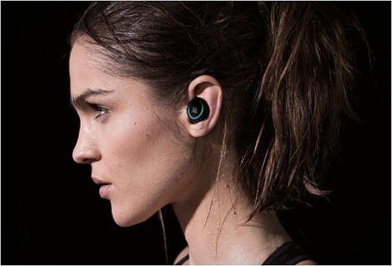 the-dash-wireless-in-ear-headphones-2
